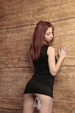 Alina - dünnes skinny Teen Model für Sex Seitensprung in Berlin
